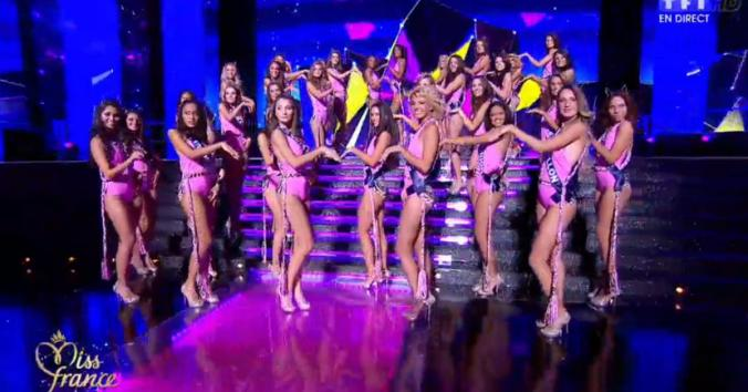 miss-france-2015-maillot-de-bain-rose