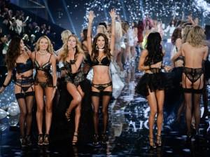 Tous-les-anges-pour-le-final-du-defile-Victoria-s-Secret-2014_visuel_galerie2_ab